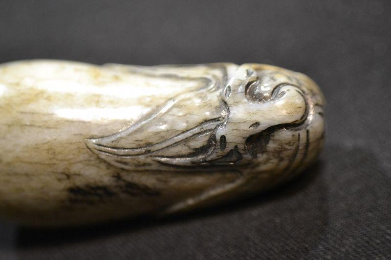 Snuff bottle white jade bone patina. Qing dynasty.