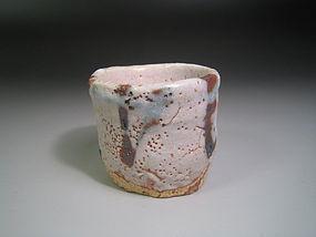 Shino Guinomi by Suzuki Goro