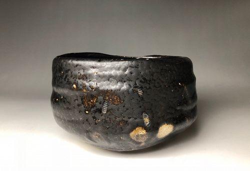 Seto-guro Chawan by Suzuki Goro