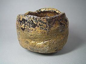 Golden Raku Chawan by Suzuki Goro