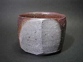 Bizen Hachi by Ema Hiroshi
