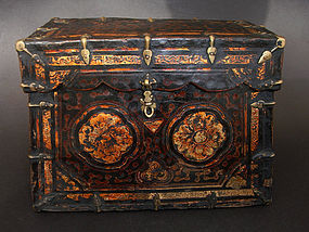 Antique, small yak leather box, leather chest. Tibet, 18/19th ccent.