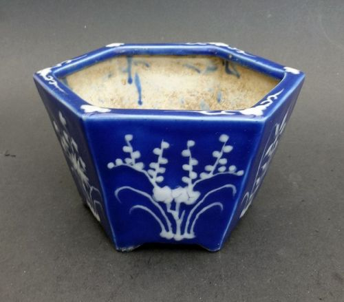 Beautiful porcelain flower pot. Qing Dynasty