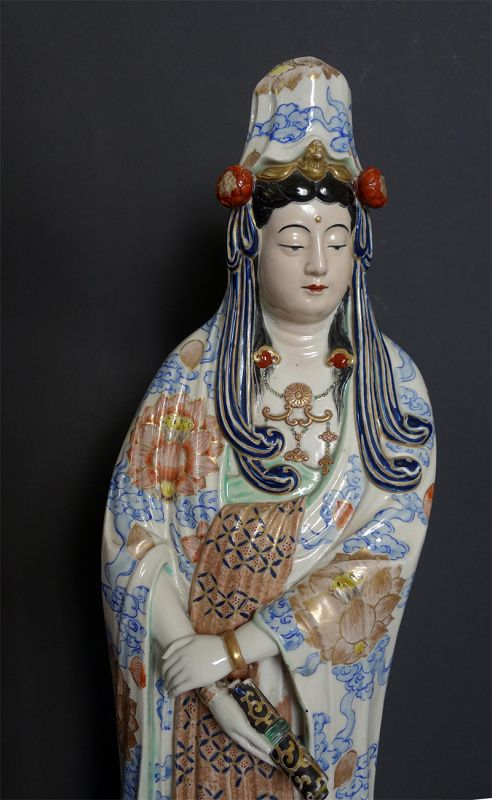 Large Porcelain image of the White Robed Kannon. Meiji period