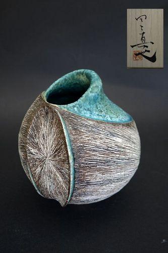 Tanoue Shinya beautiful vessel / seashell