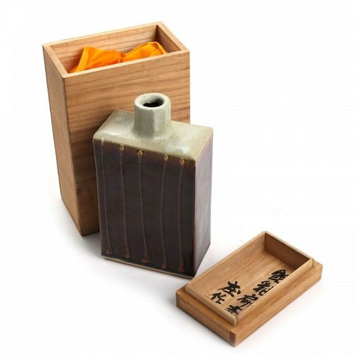 Akashi Shosaku, student of Hamada Shoji; bottle shape vase