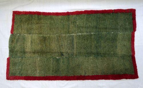Minimalistic Tibetan Carpet / Rug Tsukdruk Khaden