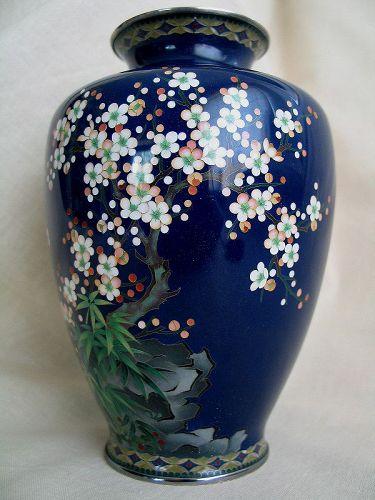 An Excellent Quality Japanese Meiji Enamel Cloisonné Vase