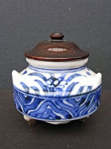 Small, fine blue and white porcelain incense burner