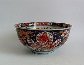 Large Imari Kikua Botan zu Export Bowl c.1700