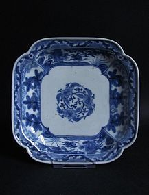 Ko Imari Botan-mon Square Dish c.1730-50