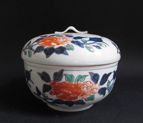 Imari Peony Pattern Covered Bowl 18th Century