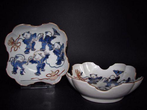 Pair of Ko Imari Karako-zu  Suhama-gata Dishes c.1780