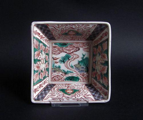 Ko Imari Sansui-zu Square Dish Early 18C