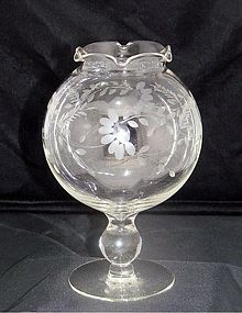 Ivy or Rose Bowl Compote Vase w Cut Half Daisies