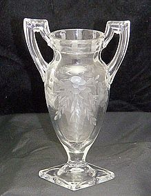 Trophy Vase Crystal Clear w/ Cut Flowers & Leaves Motif