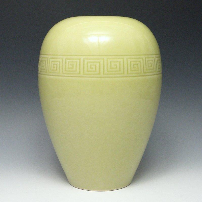 Daimaru Hokuho Japanese Kyoto Greek Fret Vase