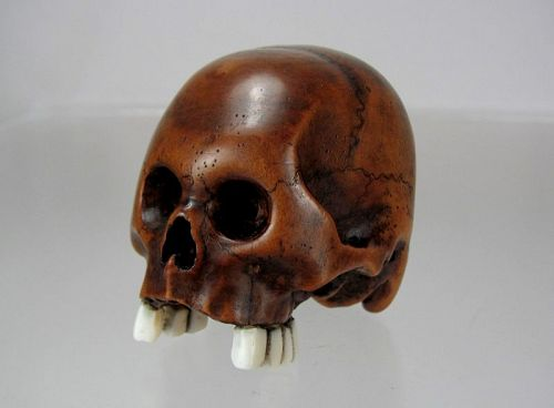 TOMOCHIKA, Edo School Boxwood Netsuke: Naturalistic Human Skull