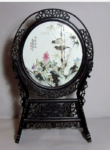 ANTIQUE CHINESE FAMILLE ROSE PORCELAIN TABLE SCREEN CIRCULAR PLAQUE