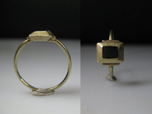 Ancient Medieval Gold Ring, 13th - 14th A.D.