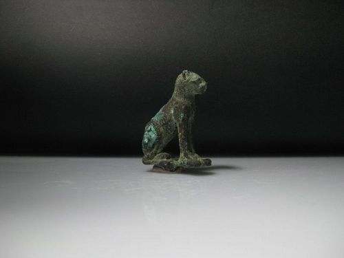 Ancient Egyptian Bronze Cat, ca. 4,7 cm
