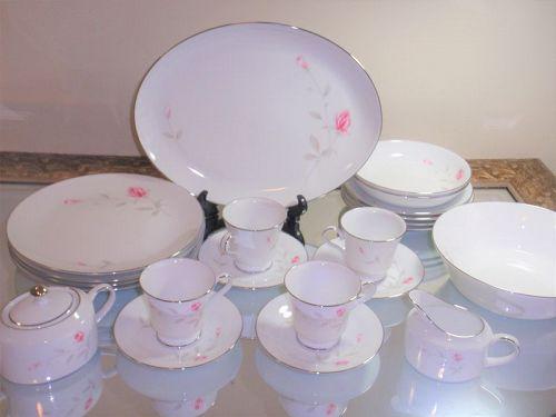 Japanese Zeisan Dinner Set Rare Set Pocelain Plates Cups Roses