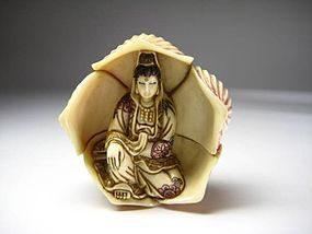 Japanese Antique Kannon Buddhist Buddha Flower Netsuke Okimono Art