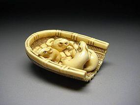 Japanese Antique Rat Family Zodiac Okimono Netsuke Statue Art