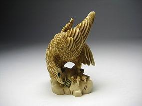 Japanese Antique Hawk Bird Worksmanship Luck Netsuke Okimono Art