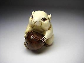 Japanese Antique Rat Chestnut Zodiac Okimono Netsuke Statue Art