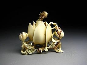 Japanese Antique ROSE Flower Petals Netsuke Okimono Statue Art