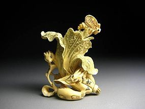 Japanese Antique Rabbit And Bee Cabbage Zodiac Netsuke Okimono Statue