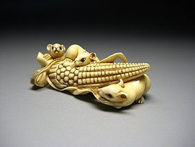 Japanese Antique Mouse Rat & Corn Zodiac Netsuke Okimono Statue Art