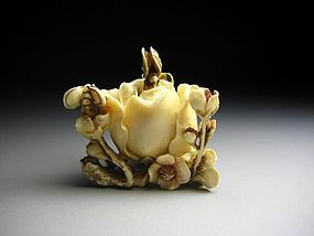 Japanese Antique Bee Rose Petals Netsuke Okimono Statue Art
