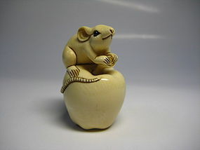 Japanese Antique Rat Apple Zodiac Netsuke Okimono Statue Art
