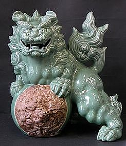 Big Japanese Kutani Shishi Celadon Foo Lion Dog Okimono