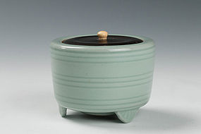 A Celadon Incense Burner (Koro) by Suwa Sozan the First
