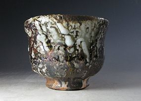 An Oni Shino Fluted Chawan by Tsukigata Nahiko