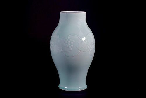 Suwa Sozan II Celadon Vase Decorated with Vine and Grape Motif