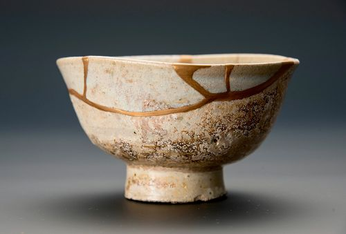A Beautifully Repaired Edo Period Karatsu Kintsugi Chawan