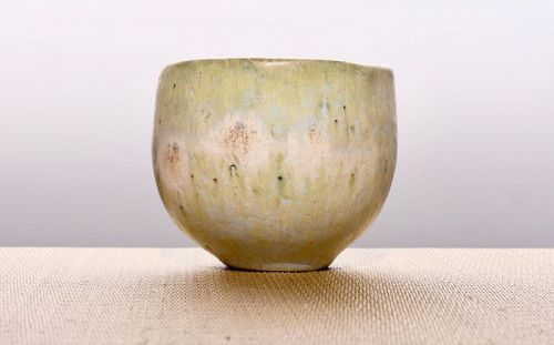 A Simple but Elegant Ash Glazed Chawan by Yoko Terai