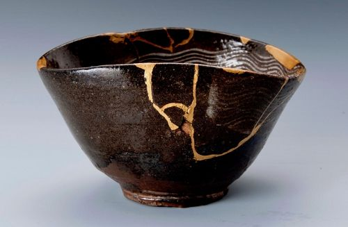 A Stunning Korean Karatsu Tea Bowl with Hakeme and Kintsugi