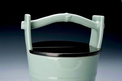 A Celadon Mizusashi (Water Vessel) by Imperial Court Artist Suwa Sozan