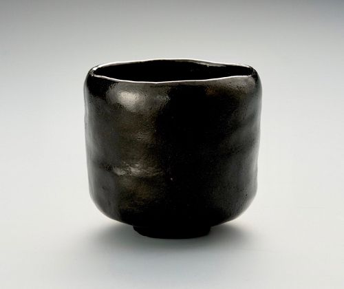 An Elegant Tsutsu Tea Bowl by Imperial Court Artist Ito Tozan