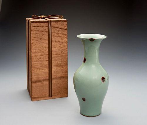 A Celadon Tobi Vase by Suwa Sozan II