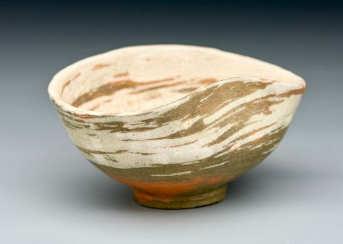 An Iconic Hakeme Tea Bowl by Raku XI (Keinyu)