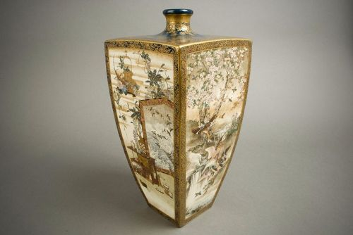 A Japanese Satsuma rectangular Satsuma vase by Kinkozan Sobei