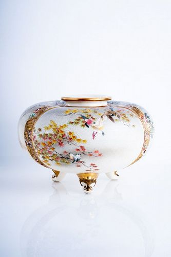 Kinkozan Sobei - An exception Japanese Satsuma vase