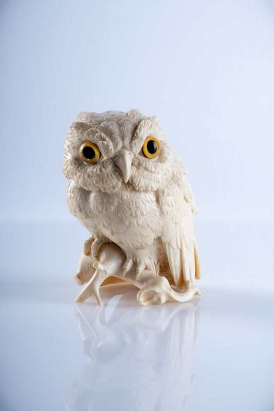 Yama-Seiuchi 山清内 – A Japanese okimono of an owl