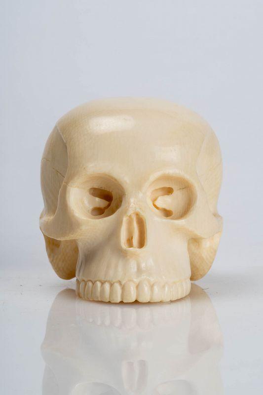 Masamitsu -  A Japanese okimono of a skull